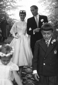 audreyhepburn_weddingdress-300x435