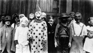 Creepy Halloween Costumes from bewteen 1930's - 1940's (5)