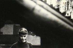 05_-Press-Image-l-Saul-Leiter-Daughter-of-Milton-Abery1950er