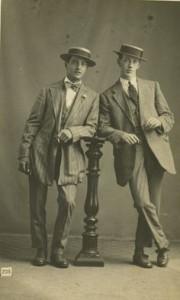 e24c50bc5f09abe8d9b61ffb73e13caa--tom-phillips-vintage-costumes